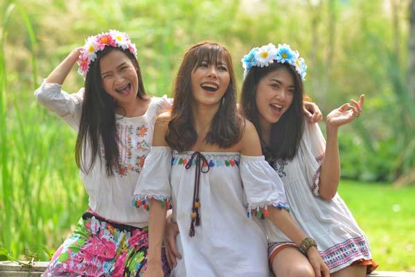 about Filipina women beauty
